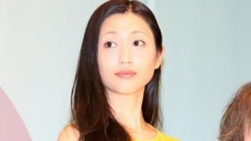 映画「食べる女」の公開記念舞台あいさつに登場した壇蜜さん