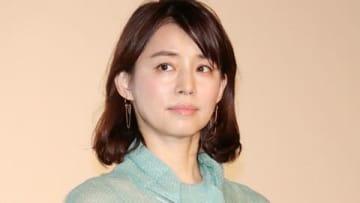 映画「コーヒーが冷めないうちに」の初日舞台あいさつに出席した石田ゆり子さん