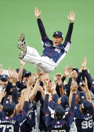 Seibu win PL title