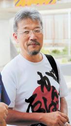 [かわたに・きよかず]1956年大阪市生まれ。大阪市立大卒。府立高事務長を55歳で退職。2012年石巻市緊急学校支援員などを経て、16年4月から現職