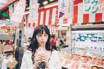 女性ファッション誌「CanCam」11月号に登場する女優の中条あやみさんのビジュアル
