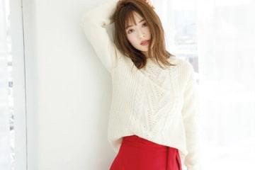 女性ファッション誌「Oggi」11月号に登場する泉里香さんのビジュアル
