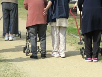 総務省統計局が「統計からみた我が国の65歳以上の高齢者のすがた」について取りまとめた。高齢者は44万人増加。女性の高齢者人口は2000万人を突破