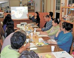 韓国の言葉や文化を学ぶ気仙沼市唐桑町の住民