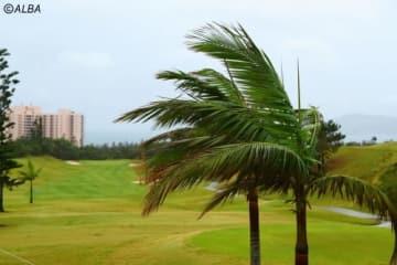 コースではかなりの強風が吹いている(撮影:村上航)
