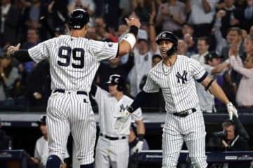 ともに本塁打を放ったヤンキース・ジャッジ(左)とスタントン【写真:Getty Images】