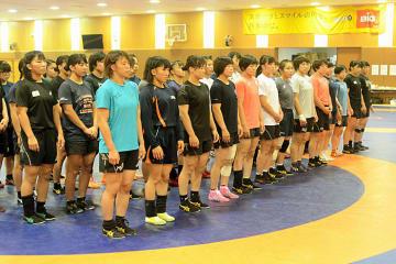 若手を含めて50人を超えた選手が集まった全日本女子合宿