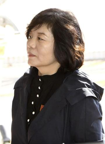 ロシアに向かうため北京国際空港に到着した北朝鮮の崔善姫外務次官=6日(共同)