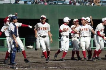 春日部共栄は浦和実に延長12回1-0のサヨナラ勝ちで決勝進出【写真:河野正】