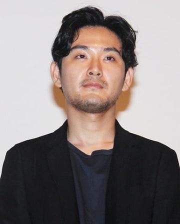 映画「泣き虫しょったんの奇跡」の大ヒット御礼舞台あいさつに登場した松田龍平さん
