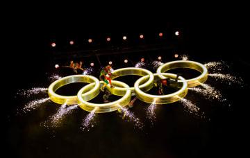 第3回夏季ユース五輪、開会式でのアトラクション=6日、ブエノスアイレス(ロイター=共同)