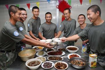 中国PKO部隊の国慶節の過ごし方 スーダン·ダルフール