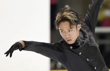 男子フリーで演技する高橋大輔=尼崎スポーツの森