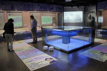 スクリーンに映像が流れるなど、展示内容が一部リニューアルした「ペリー記念館」=横須賀市久里浜