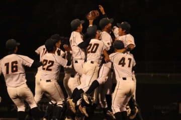 3季ぶり2回目の優勝を決めた和歌山大学【写真:松倉雄太】