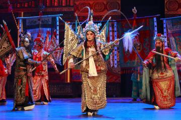 中国伝統文化の神髄、国内外の観光客を魅了 四川省