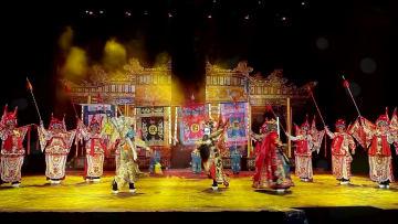 中国伝統文化の神髄「川劇」、国内外の観光客を魅了 四川省