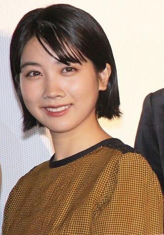 映画「あの頃、君を追いかけた」の初日舞台あいさつに登場した松本穂香さん