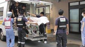 人工呼吸器を装着する室蘭太平洋病院の入院患者はDMAT隊によって室蘭市内3病院に搬送された=9月6日(市立室蘭総合病院提供)