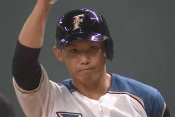 引退試合でヒットを放った日本ハム・矢野謙次【画像:(C)PLM】