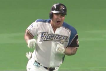 本塁打を放った日本ハムのオズワルド・アルシア【画像:(C)PLM】