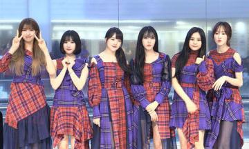 日本初シングル「Memoria/夜」発売記念イベントを行った「GFRIEND」の(左から)ソウォンさん、ウナさん、イェリンさん、シンビさん、オムジさん、ユジュさん