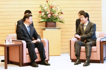 安倍自民党総裁·首相、宋濤氏と会見