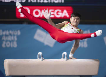 体操男子個人総合で金メダルを獲得した北園丈琉のあん馬=ブエノスアイレス(OIS提供・共同)