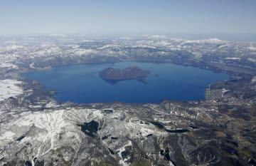 北海道の洞爺湖=2008年3月