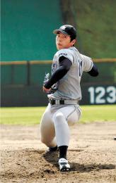 宮教大から初のプロ野球入りを目指す松下=9月24日、仙台市の東北福祉大球場