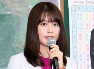 連続ドラマ「中学聖日記」の制作発表会見に登場した有村架純さん