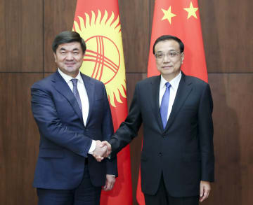 李克強総理、キルギスのアブルガジエフ首相と会見