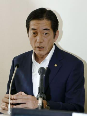 愛媛県知事選に3選を目指して立候補を表明した中村時広知事=13日午後、愛媛県庁
