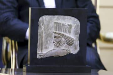 イランに返還された古代ペルシャ帝国時代のレリーフ=9月、テヘラン(イラン学生通信提供・共同)