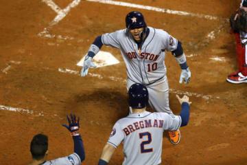 アストロズ・グリエルが3ラン本塁打を放つ【写真:Getty Images】