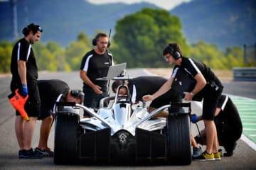 日産、フォーミュラE選手権の公式合同テストに初参加