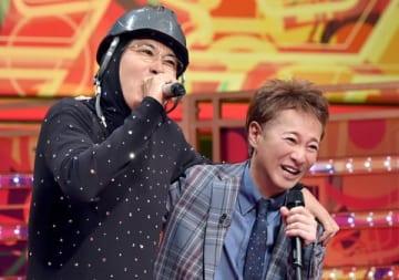 11月7日に放送される「UTAGE!」で共演する石橋貴明さん(左)と中居正広さん (C)TBS