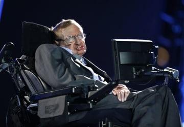 英物理学者の故ホーキング博士=2012年、ロンドン(AP=共同)