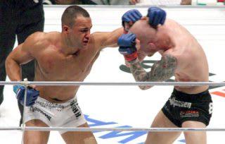 日本で活躍し、UFCで世界的スターとなったアルバレス(左)がONEに移籍した
