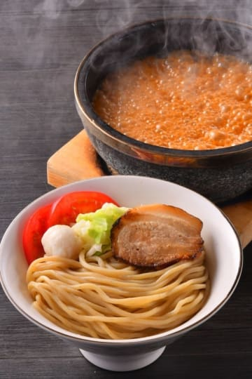 開店15周年を記念した新メニュー「濃厚海老つけ麺」