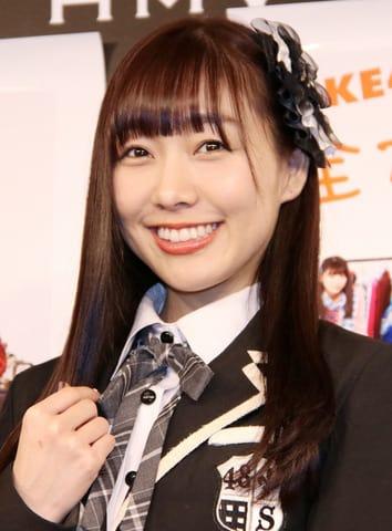 書籍「SKE48衣装図鑑 全力制服」の刊行記念トークイベント前の会見に登場した須田亜香里さん