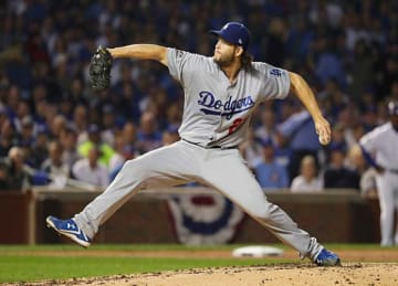 Clayton Kershaw Leads Dodgersto 1-0 Win vs Cubs in Game 2 of NLCS