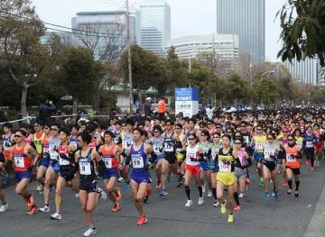 冬の大阪市街地を走る「大阪ハーフマラソン」1月開催