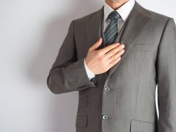 あなたは「スーツ」を何着持っていますか? 「6~10着」が25%