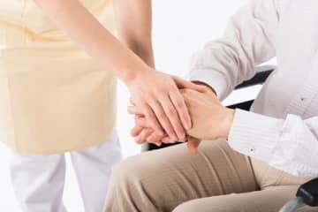 看護師・介護士の6割超が「利用者からのセクハラ」経験