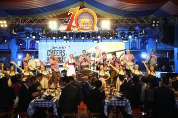 「オクトーバーフェストマカオ at MGM 2018」開幕セレモニーの様子=2018年10月18日(写真:MGM China Limited)
