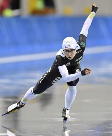 女子500メートル 37秒78で優勝した小平奈緒=エムウエーブ