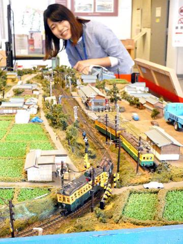 廃線になった1978年の沿線風景の一部を再現した北恵那鉄道の鉄道ジオラマ=中津川市本町、市中山道歴史資料館