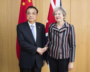 李克強総理、メイ英首相と会見