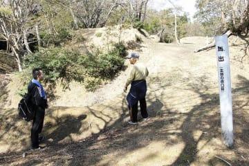続日本100名城スタンプラリーの効果で、来訪者数が大幅に増えている玄蕃尾城跡=10月18日、福井県敦賀市と滋賀県長浜市の市境